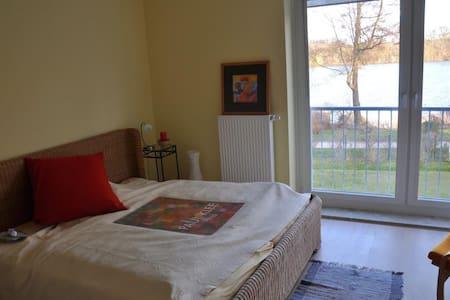 Zimmer am See mit eigenem Bad - Potsdam