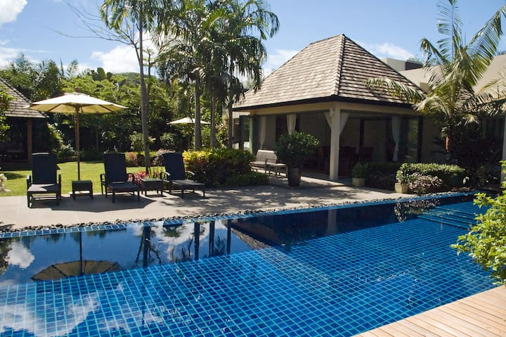 Tranquil Private Pool Villa minutes from Beach