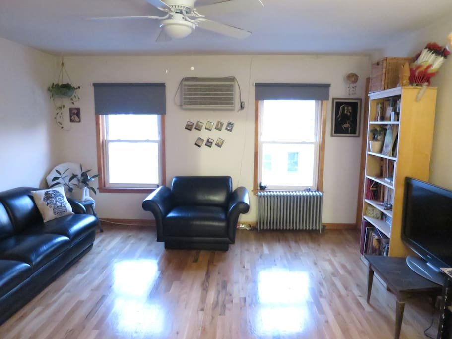 Bright And Spacious 1 Bedroom Apartments For Rent In Brooklyn New York United States