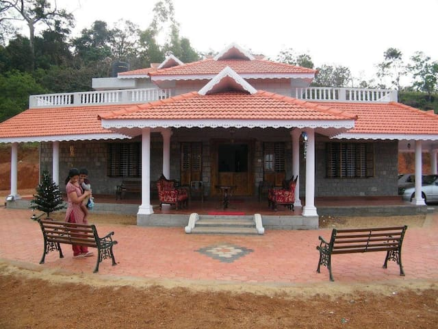 Kollur Mookambika - 2 rooms in Jadkal homestay
