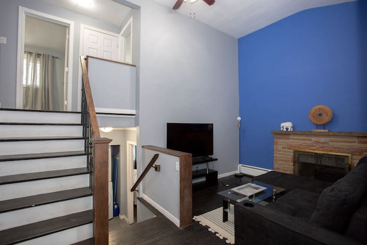 *Modern* 5 bds in Family Area Close to Downtown