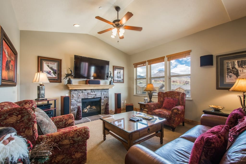 With modern upgrades, comfortable bedrooms and endless amenities throughout, this 3,200 square foot home is perfect for families & weekend travelers.