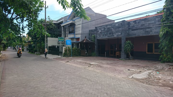 Kos dan Penginapan Darma di pusat kota Surabaya