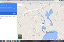 0.7 miles walk to Ferradura Beach – 1.1km até a praia da ferradura