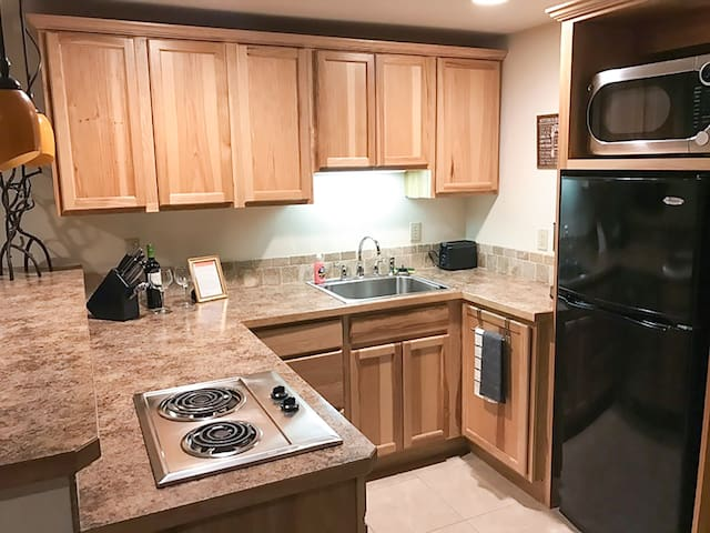 Lakefront Condo with Shuttle to Schweitzer