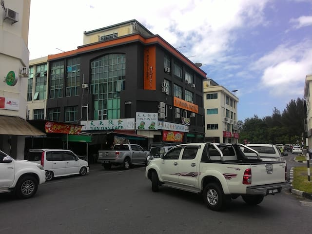 M EMPIRE MOTEL MIRI