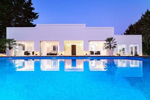 푸에르토 바누스 인근의 현대적인 빌라 카사 발리네사 (Villa Casa Balinesa)