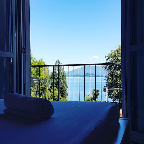 Uno sguardo sul lago - Meina