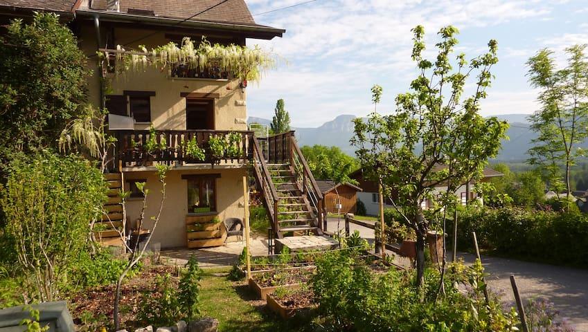 Petite chambre, campagne, prox. Chambéry - Challes - Saint-Baldoph - Appartement