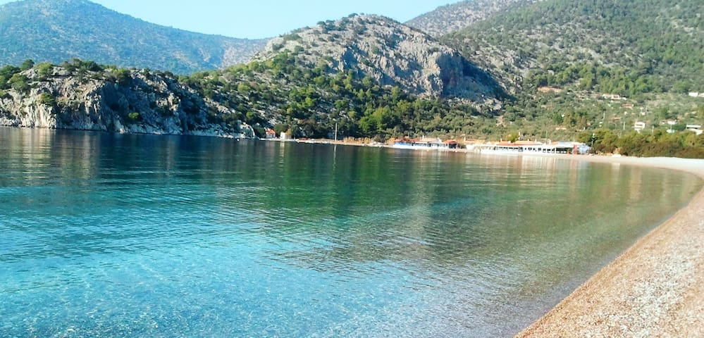Beachfront Studios on Psatha bay - Attica Greece