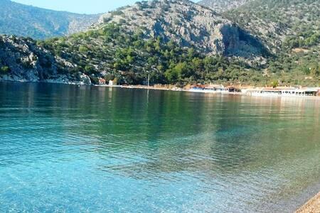 Beachfront Studios on Psatha bay - Attica Greece - Annat