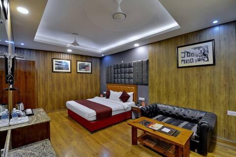Private Ac Room Near Yatra Purchi Counter