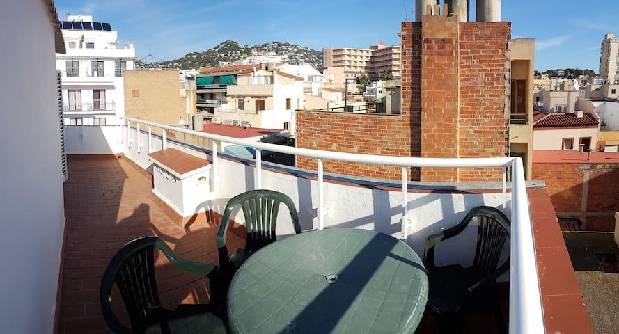 grande terrasse vue sur ville