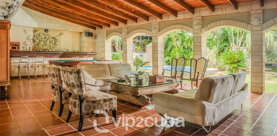 VIP Luxury 3BR Mansion with pool in Siboney