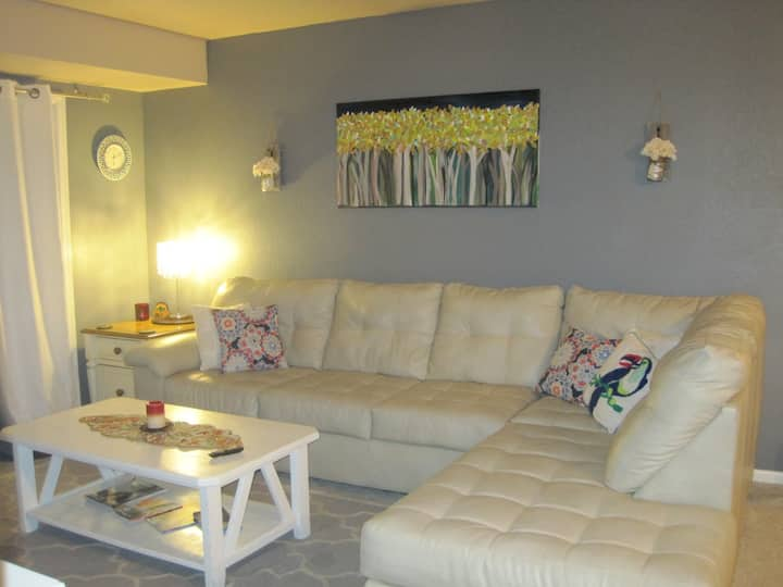 La Casita - Private, Cozy Condo for Work or Play