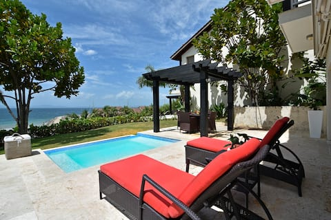 Romantic Villa /TownHouse in Puerto Bahia Samana