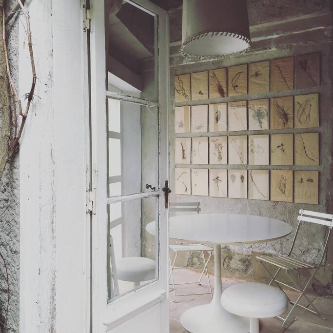 summer cabin dining area