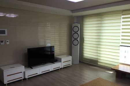 순천만국가정원과 가까운 깨끗한 32평 프리미엄 신축 아파트 - 순천시 - Byt