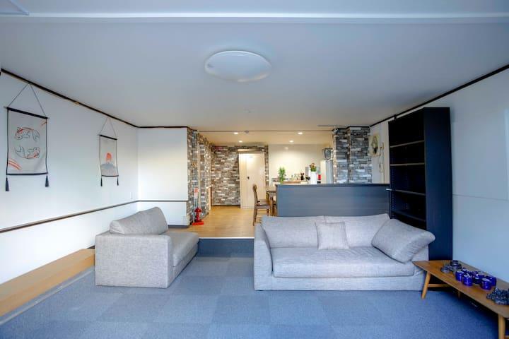 难波心斋桥商圈内的独立房间201室