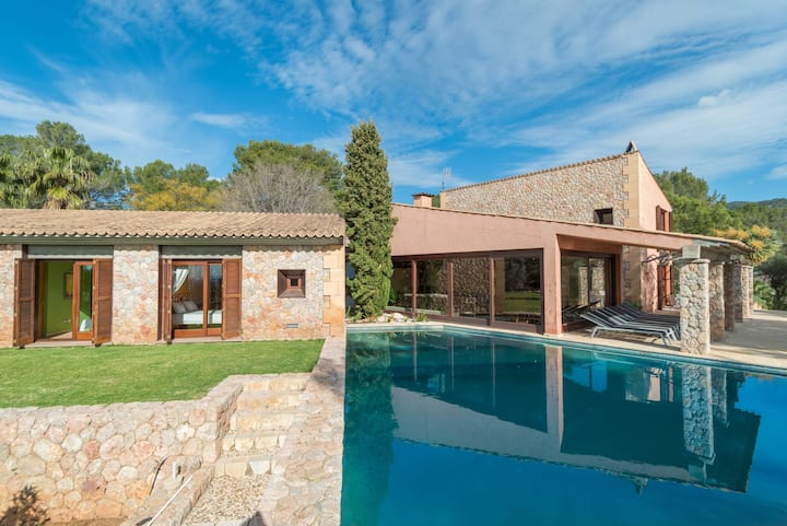 CAN TONI GAT - Villa with private pool and beautiful garden amidst privileged natural surroundings. Free WiFi
