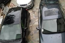 privatni parking ispod prozora sobe