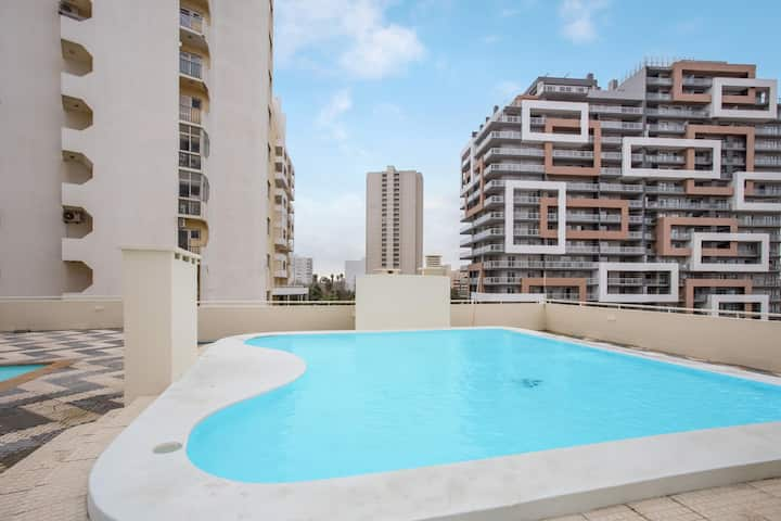 "Cosy Apartment ""Varandas da Rocha"" on the Beach with Pool; Parking Available, Wheelchair-Accessible"