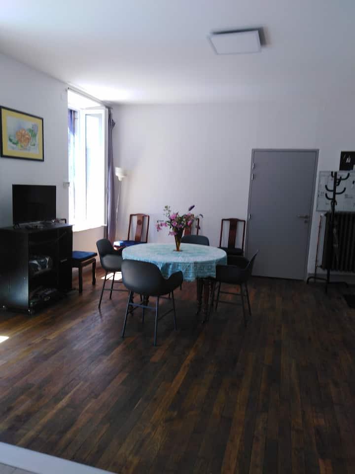 Loue bel appartement au Moulin de la clède