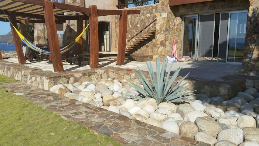 Lux Villa on the Cliff, Huatulco. - Santa Maria Huatulco - Hus