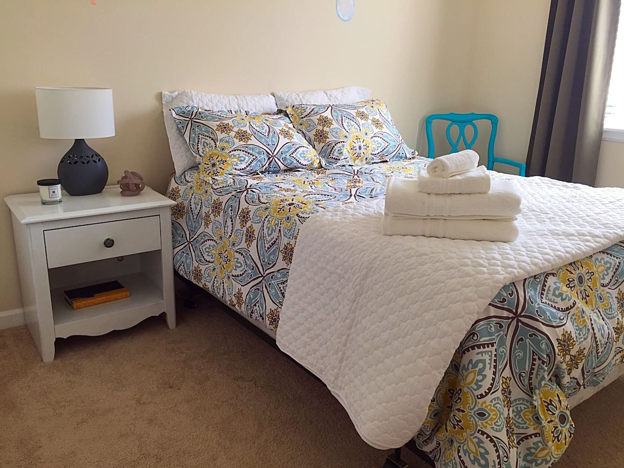Comfortable private room with full size memory foam mattress