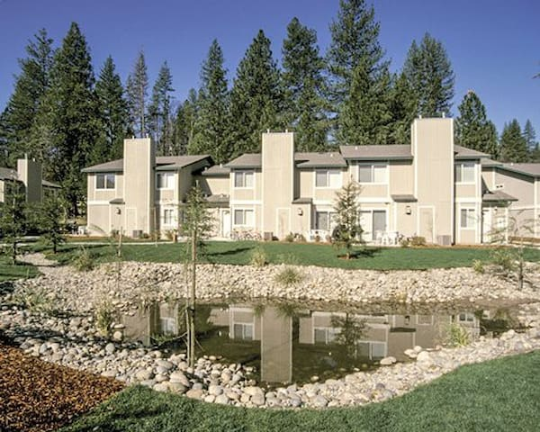 Bass Lake Yosemite Townhome - Bass Lake - Apartamento