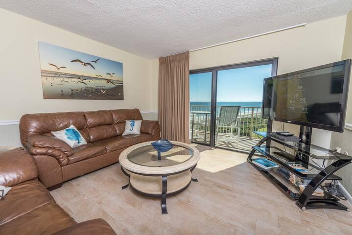 9th Floor - Penthouse - Excellent View of Ocean