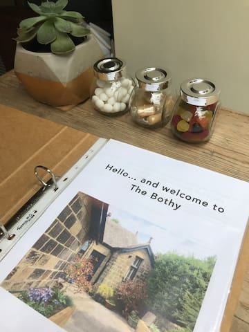 Welcome to the Bothy... house rules and some sweet treats