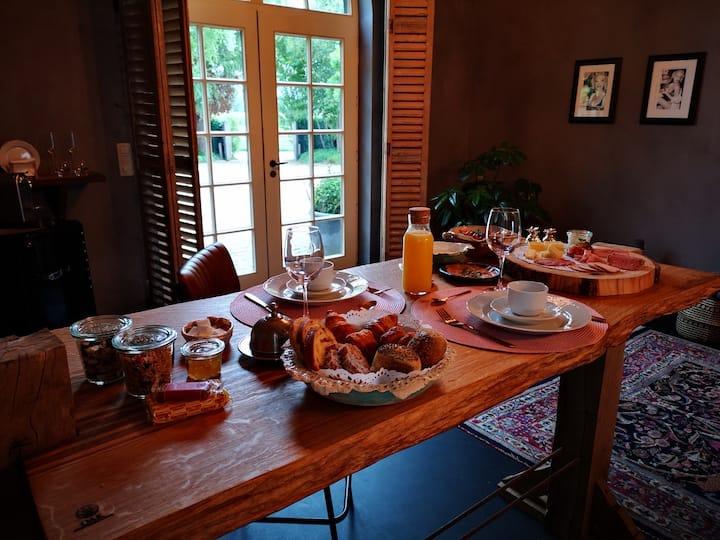 Casa Leontine luxe suite nabij Brugge met parking
