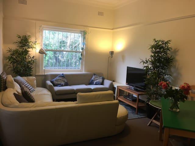 Flat avail min. 3 months June - Sep - Coogee - Apartment