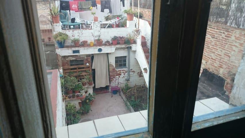 Casa inglesa en el centro Sabadell - Sabadell - Huis