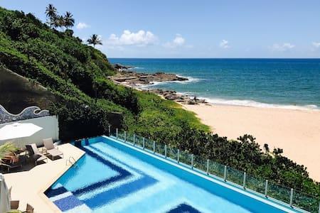 Beira-Mar no Rio Vermelho - Acesso Direto à Praia