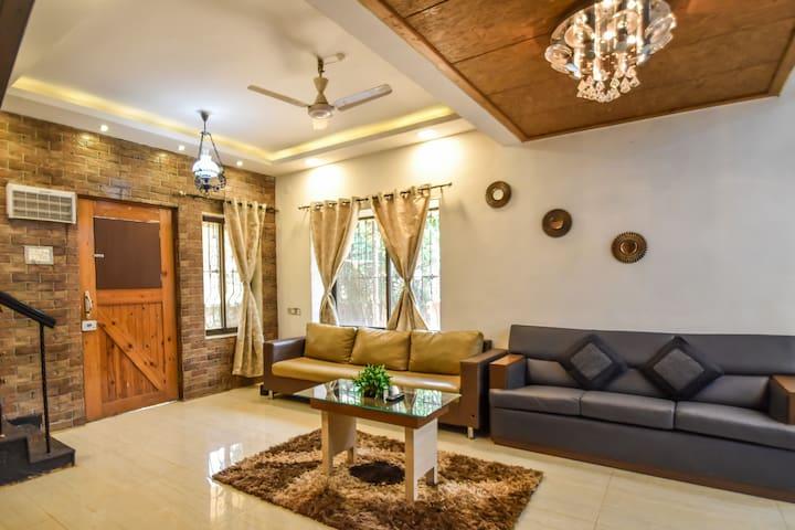 EKO STAY   Lavish 2bhk Villa with Private Pool