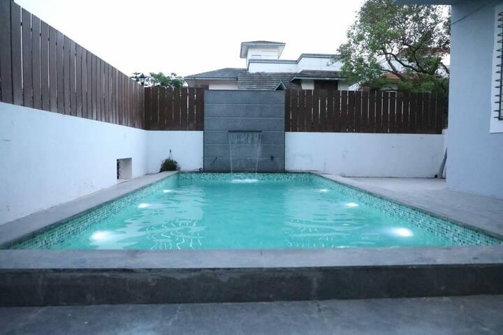 Neel Amber Villa (3Bhk AC Pvt Pool)