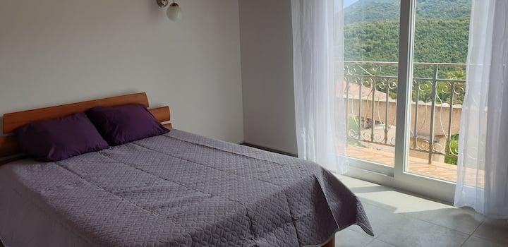 Grand F2 de 55 m² à 20 mn d'Ajaccio