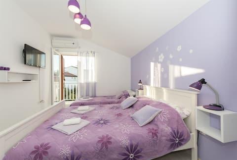 Studio Apartment, 200m from city center, seaside in Srima (Vodice), Balcony