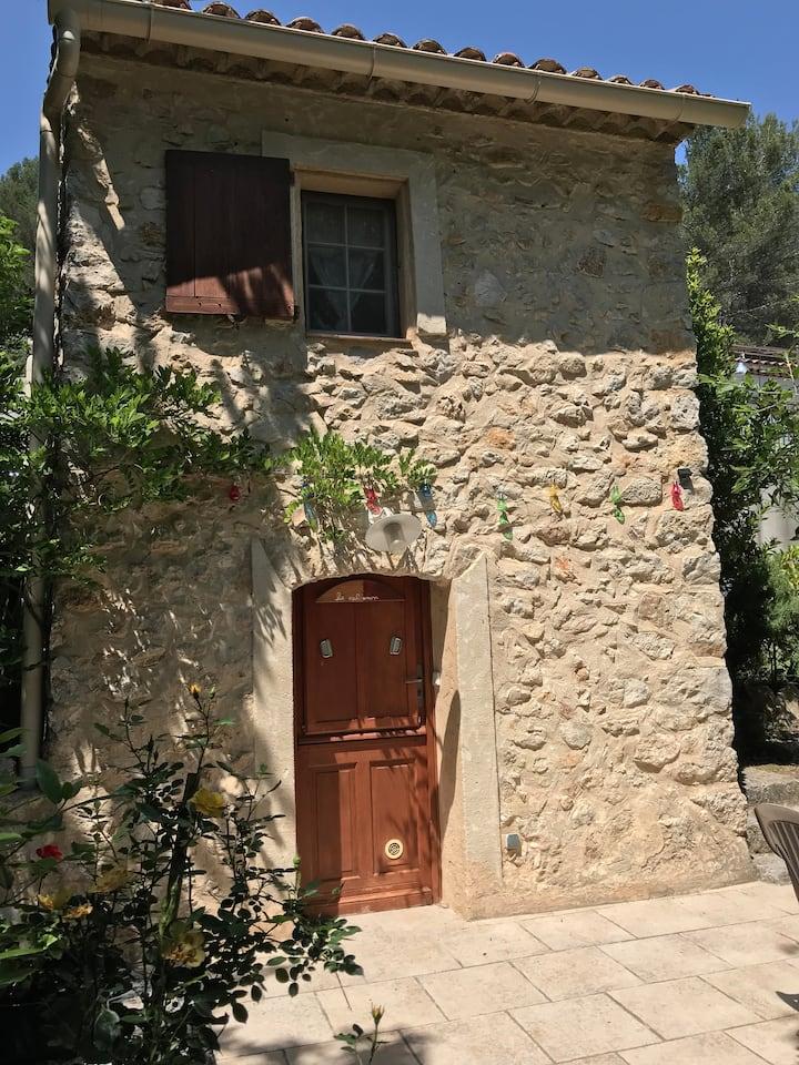 Petit Cabanon Provençal