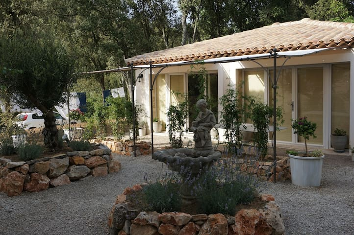 Charming Provence country cottage - Lorgues - Casa