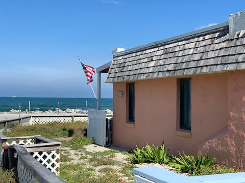 Oceanfront Cottage_Easy Beach Access, pet friendly