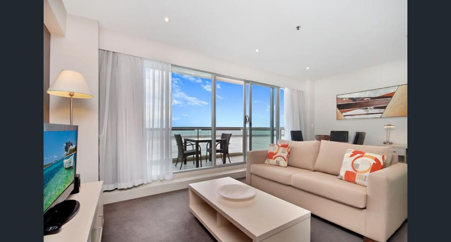 BEACHFRONT APARTMENT AT GLENELG