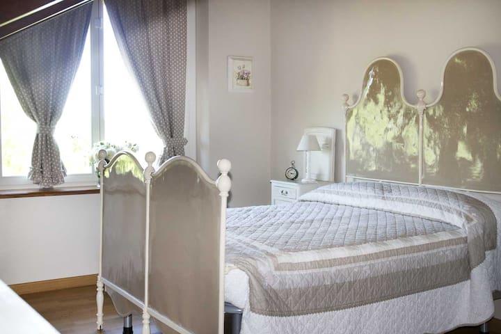 Camera NOCCIOLA B&B Tenuta degli Angeli Rossi - Asti - Bed & Breakfast