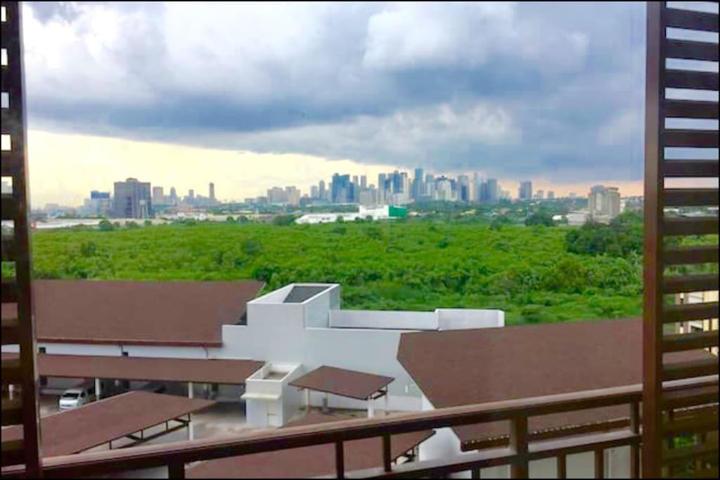 View of Ortigas center from the balcony.