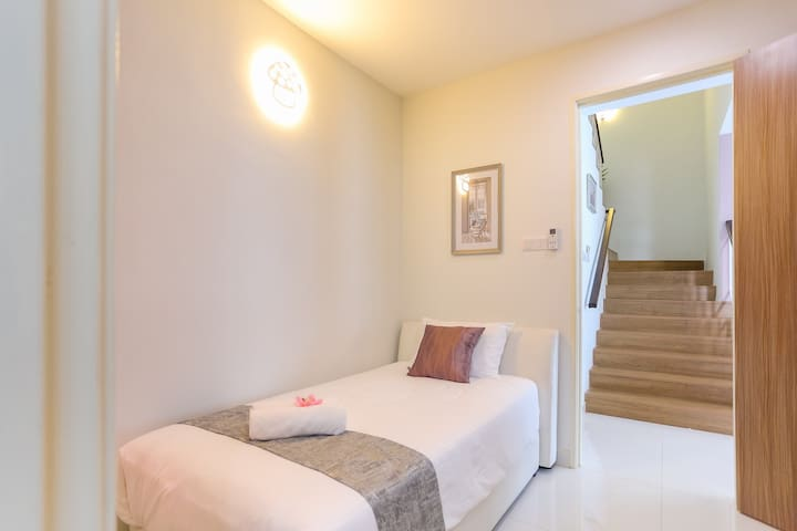 Ground Floor Guest Room with 1 Super Single Bed