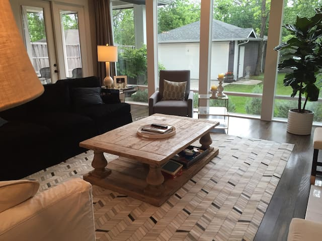 Brand New M-Streets Craftsman Home - Dallas - Hus