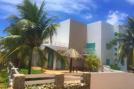 Casa de praia no paraíso chamado Tabuba