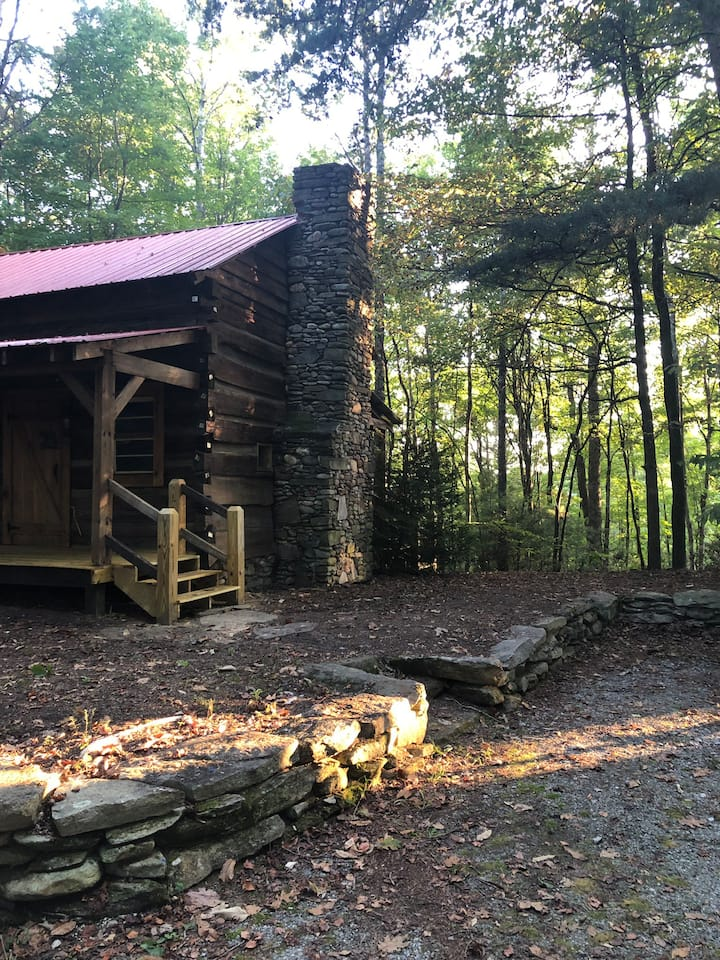 Authentic 1850's Settlers Cabin at Wethero Ridge